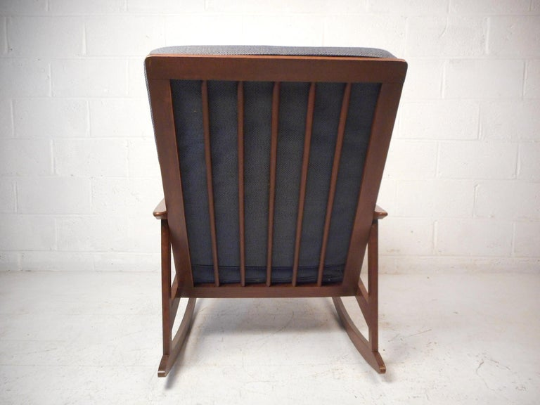 Mid-20th Century Mid-Century Modern Rocking Chair For Sale