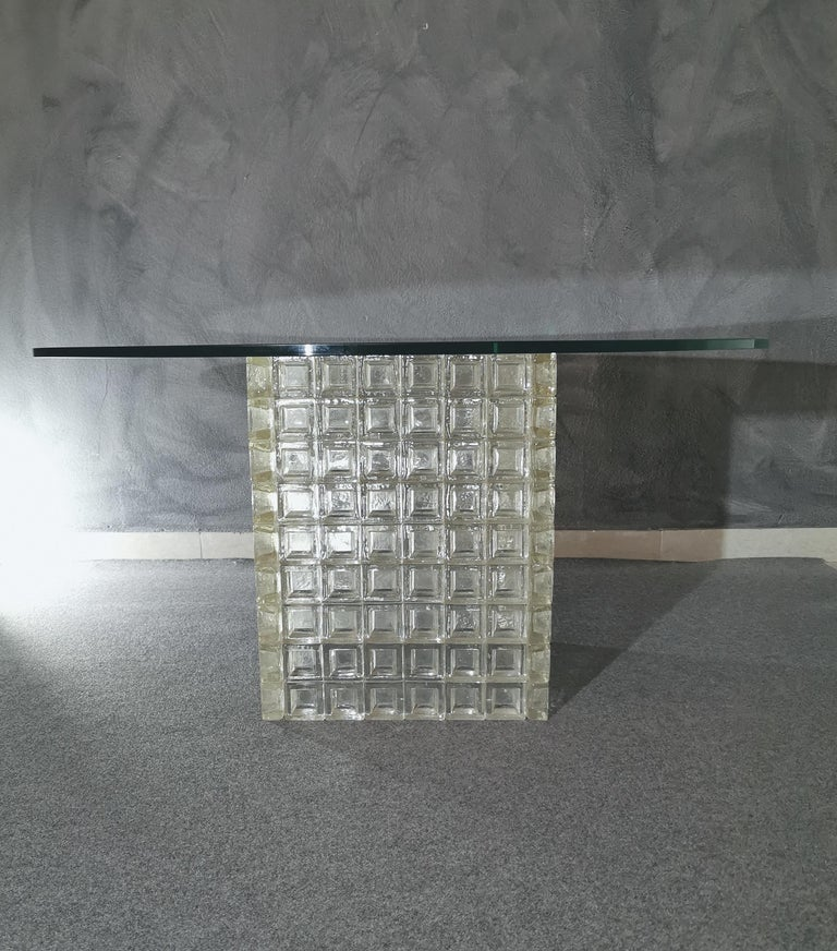 Rare and elegant living room table by Albano Poli for Poliarte in Murano glass cube and transparent glass top, 1970s.