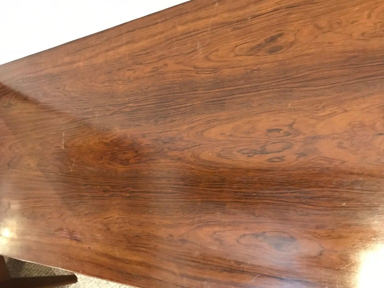 Mid-Century Modern Rosewood Coffee or Low Table with Pull Out Sides For Sale 5