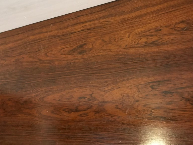 Mid-Century Modern Rosewood Coffee or Low Table with Pull Out Sides For Sale 6