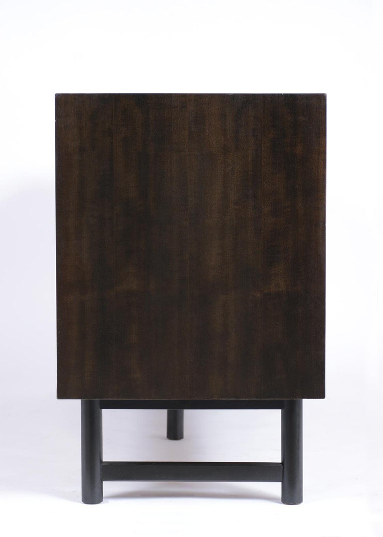 Mid-Century Modern Rosewood Credenza For Sale 3