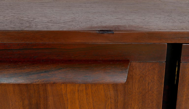 Mid-Century Modern Rosewood Credenza For Sale 8