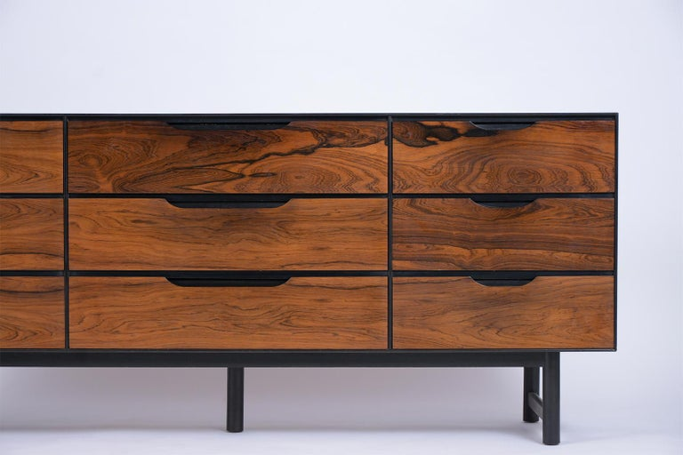 Mid-Century Modern Rosewood Credenza In Good Condition For Sale In Los Angeles, CA