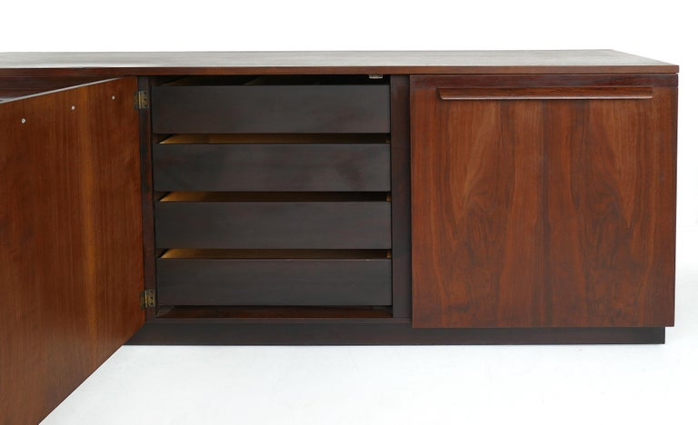20th Century Mid-Century Modern Rosewood Credenza For Sale