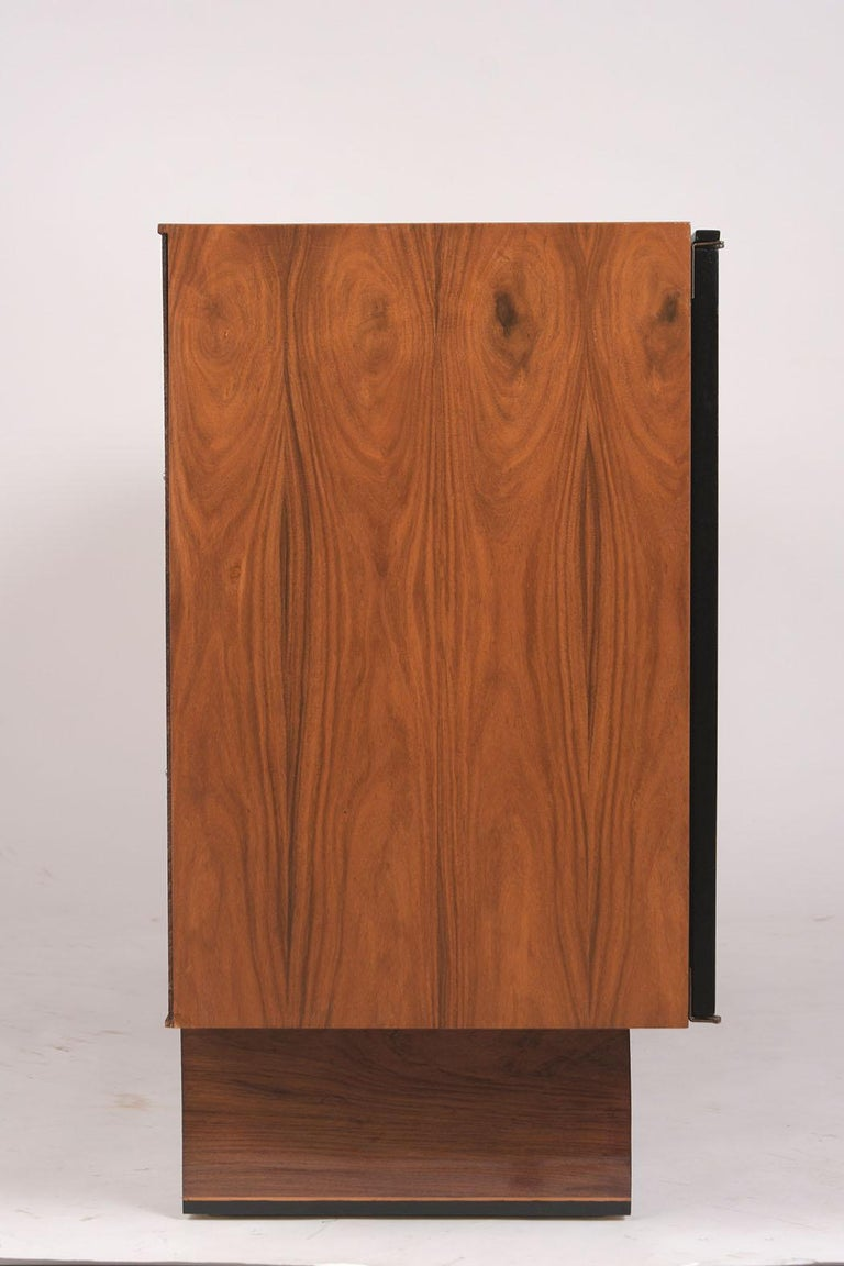 1960's Mid-Century Modern Rosewood Credenza In Good Condition For Sale In Los Angeles, CA