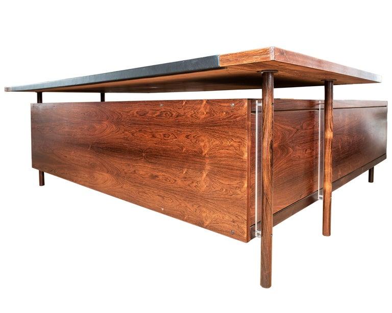 Veneer Mid-Century Modern Rosewood Desk by Sven Ivar Dysthe for Dokka Mobler, Norway For Sale