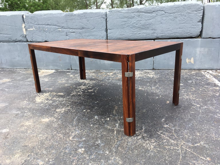 Mid-Century Modern Rosewood Dining Table For Sale 5