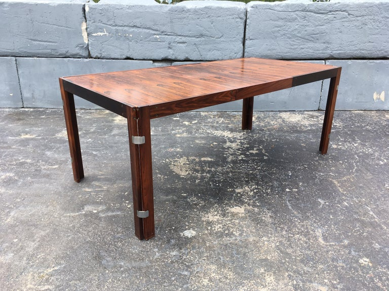 Mid-Century Modern Rosewood Dining Table For Sale 6