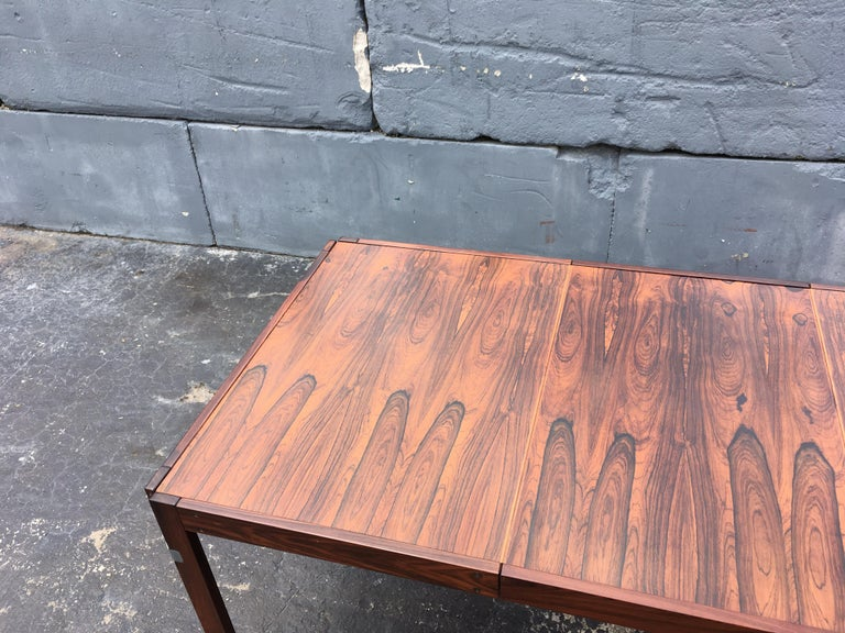 Mid-Century Modern Rosewood Dining Table For Sale 9