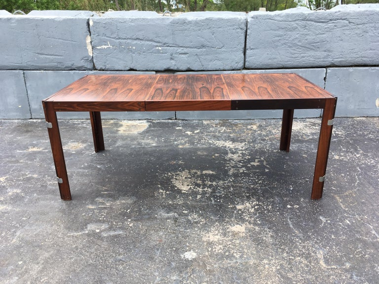 Mid-Century Modern Rosewood Dining Table For Sale 11