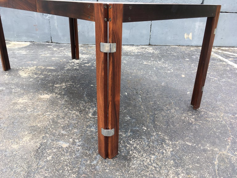 Mid-Century Modern Rosewood Dining Table For Sale 3