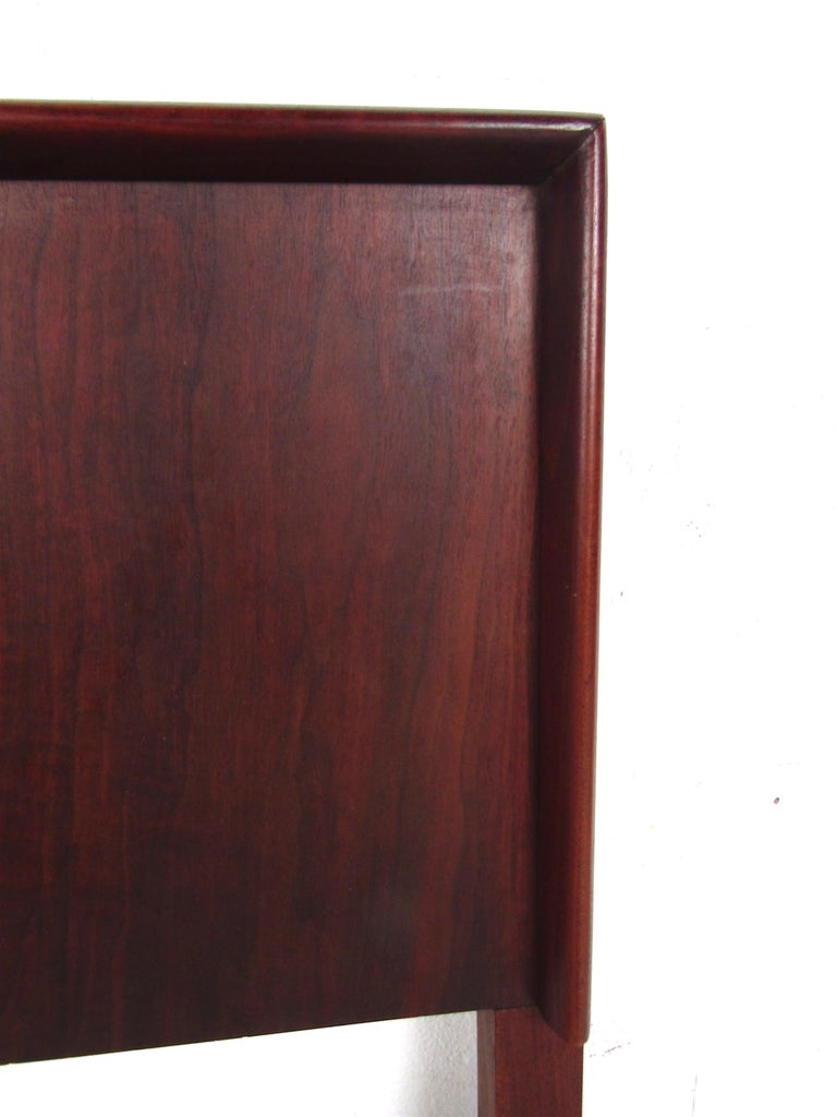 Mid-Century Modern Rosewood Double Sized Headboard For Sale 1
