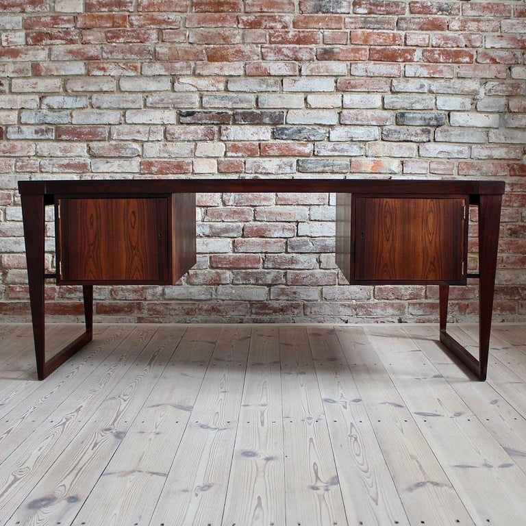 Mid-Century Modern Rosewood Executive Desk by Kai Kristiansen, Model 70, 1950s In Good Condition For Sale In Wrocław, Poland