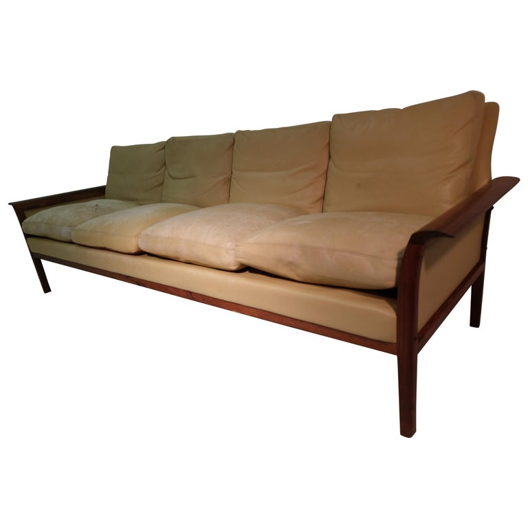 Mid-Century Modern Rosewood & Leather 4-Seat Sofa Knut Sawyer for Vatne Møbler For Sale