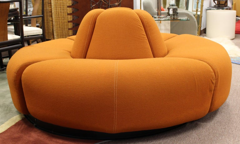 For your consideration is a gorgeous, curved, four-piece sofa sectional, perfect for a lobby or foyer, circa 1960s. In excellent vintage condition. The dimensions are 68