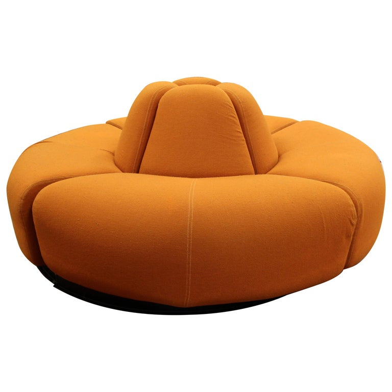 Mid-Century Modern Round Foyer Lobby Sculptural Sofa Sectional Orange, 1960s For Sale