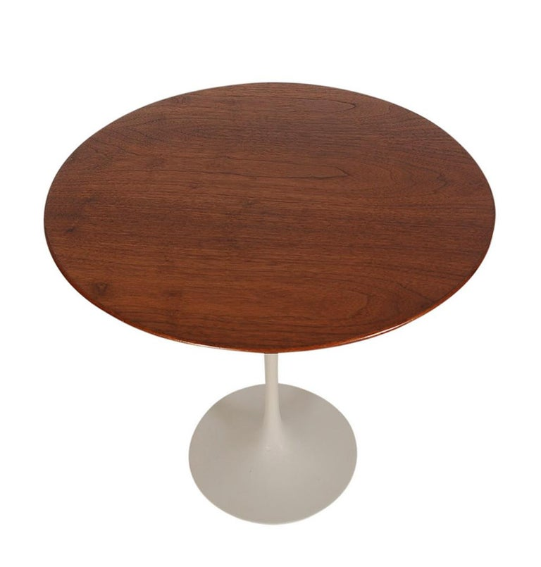 American Mid-Century Modern Round Tulip End or Side Tables by Eero Saarinen for Knoll For Sale