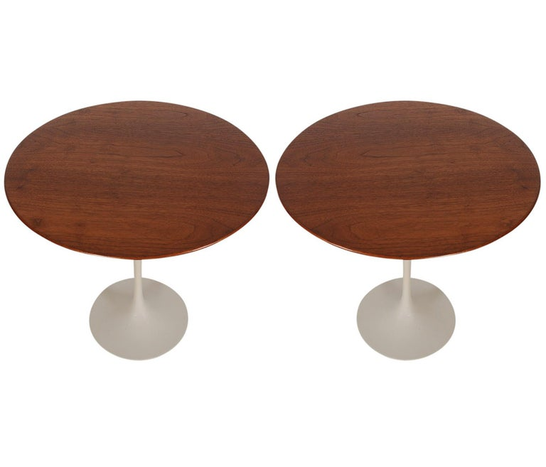 Late 20th Century Mid-Century Modern Round Tulip End or Side Tables by Eero Saarinen for Knoll For Sale