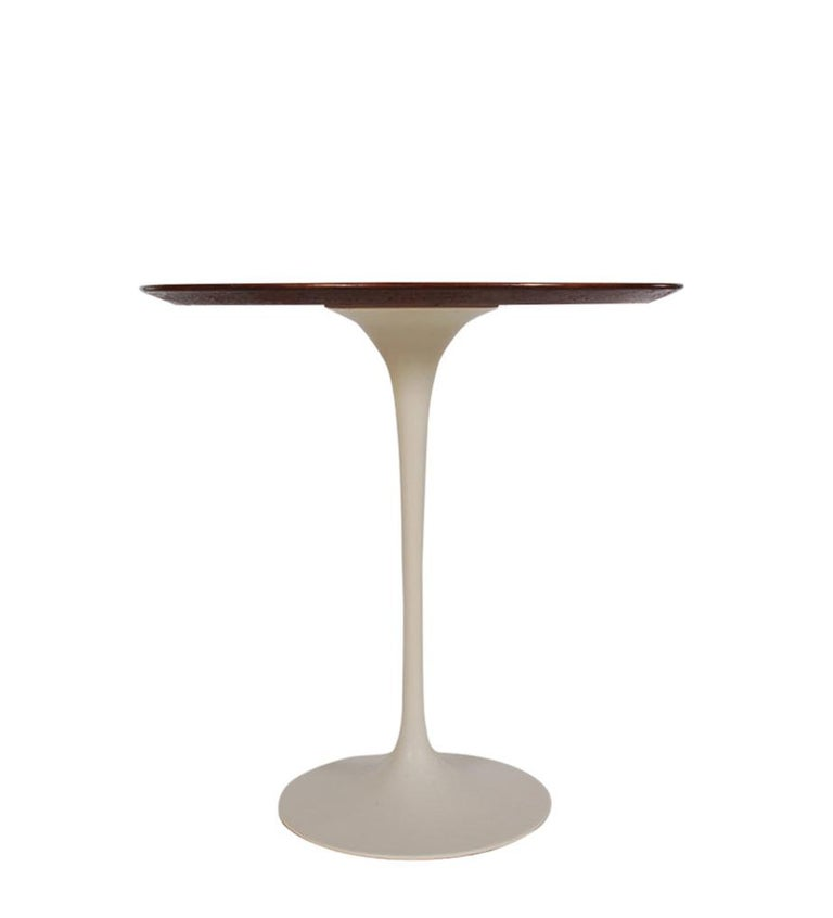 Aluminum Mid-Century Modern Round Tulip End or Side Tables by Eero Saarinen for Knoll For Sale