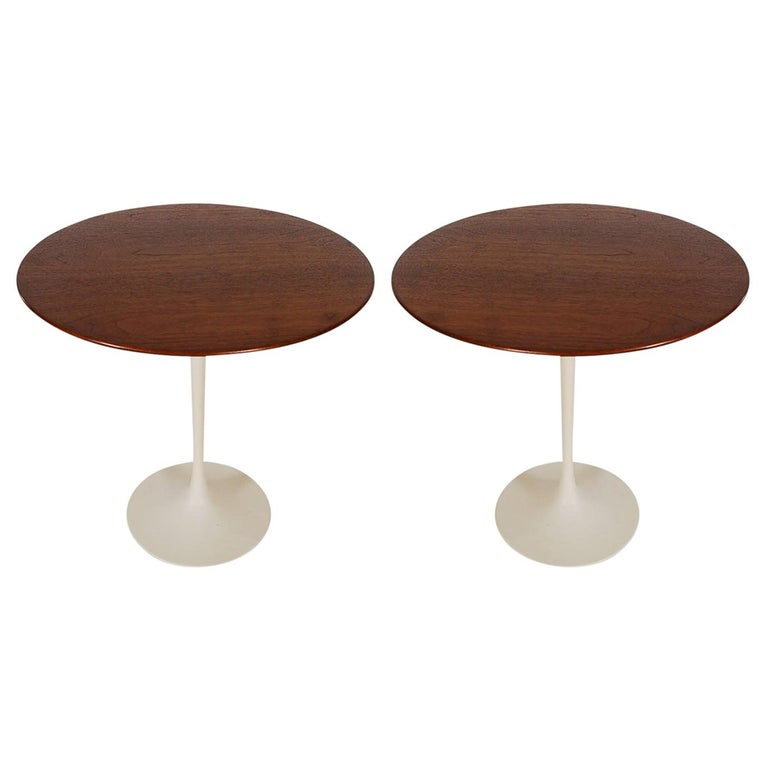 Mid-Century Modern Round Tulip End or Side Tables by Eero Saarinen for Knoll For Sale