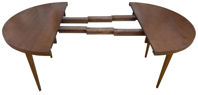 Mid-Century Modern Round Walnut Finish Dining Table by Paul McCobb 2 Leaves For Sale 2