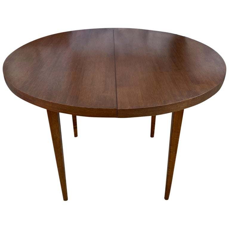 Mid-Century Modern Round Walnut Finish Dining Table by Paul McCobb 2 Leaves For Sale