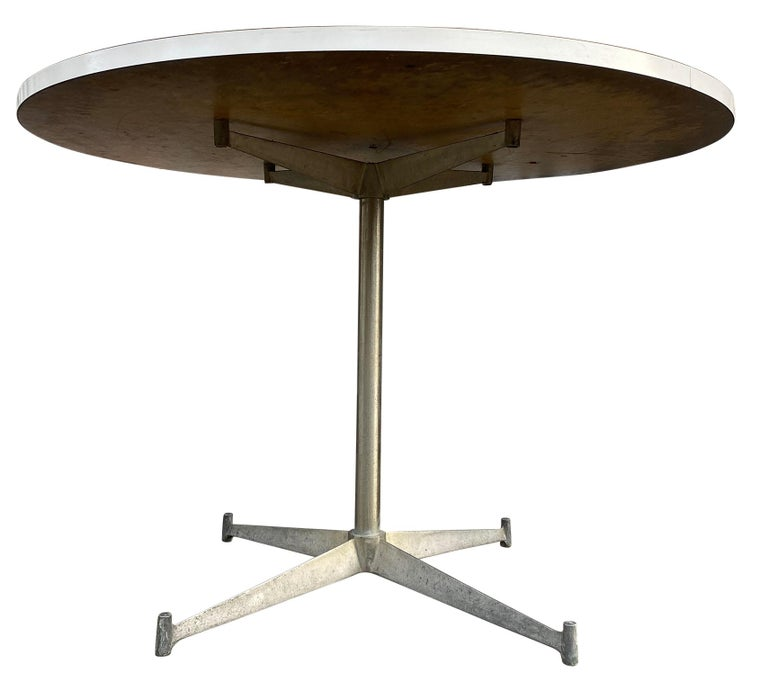 American Mid-Century Modern Round White Laminate Dining Table by Paul McCobb For Sale