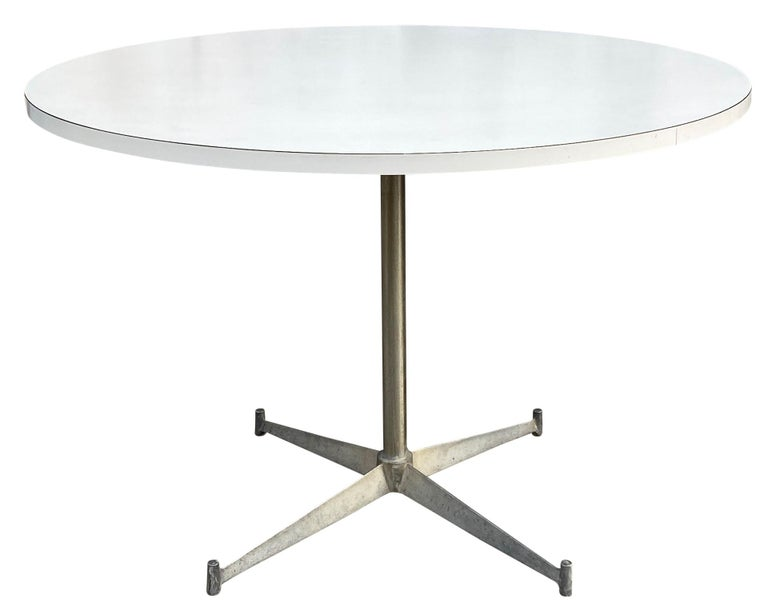 Mid-Century Modern Round White Laminate Dining Table by Paul McCobb For Sale 2