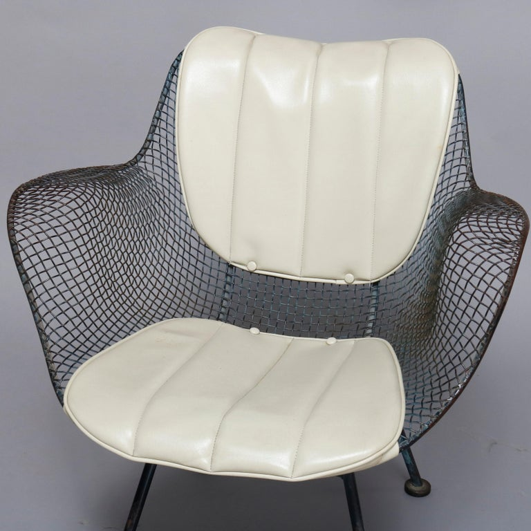 Mid-Century Modern Russell Woodward Mesh and Slate Dining Set, circa 1960 For Sale 3