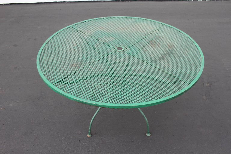 American Mid-Century Modern Salterini Patio Set Table with Four Radar Chairs For Sale
