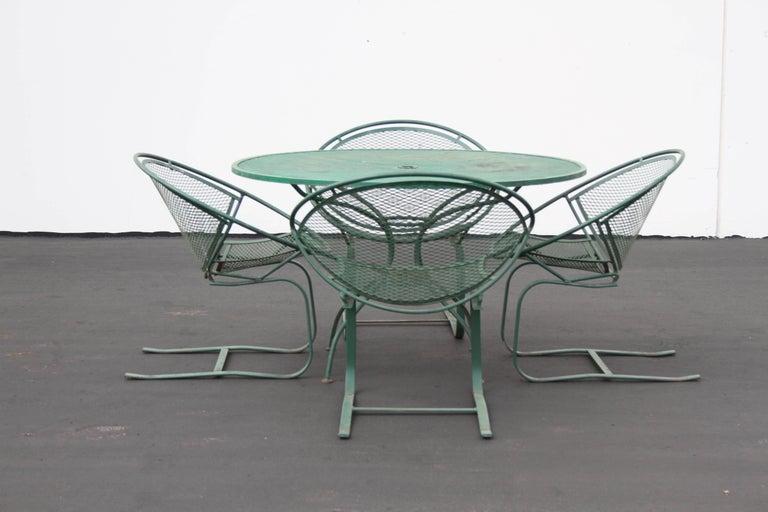 Mid-20th Century Mid-Century Modern Salterini Patio Set Table with Four Radar Chairs For Sale