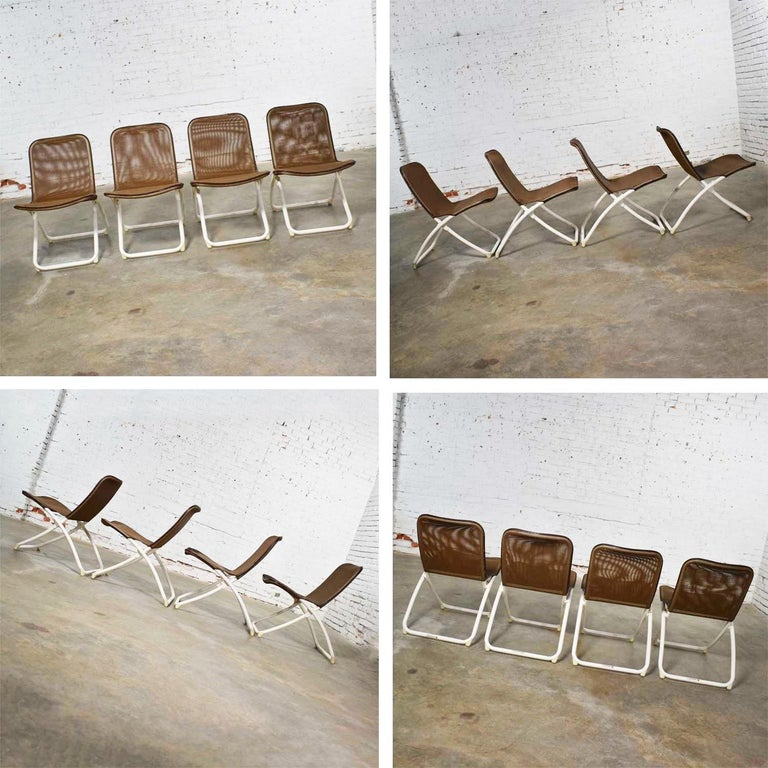 Mid-Century Modern Samsonite Round Patio Dining Table and 4 Folding Sling Chairs For Sale 6