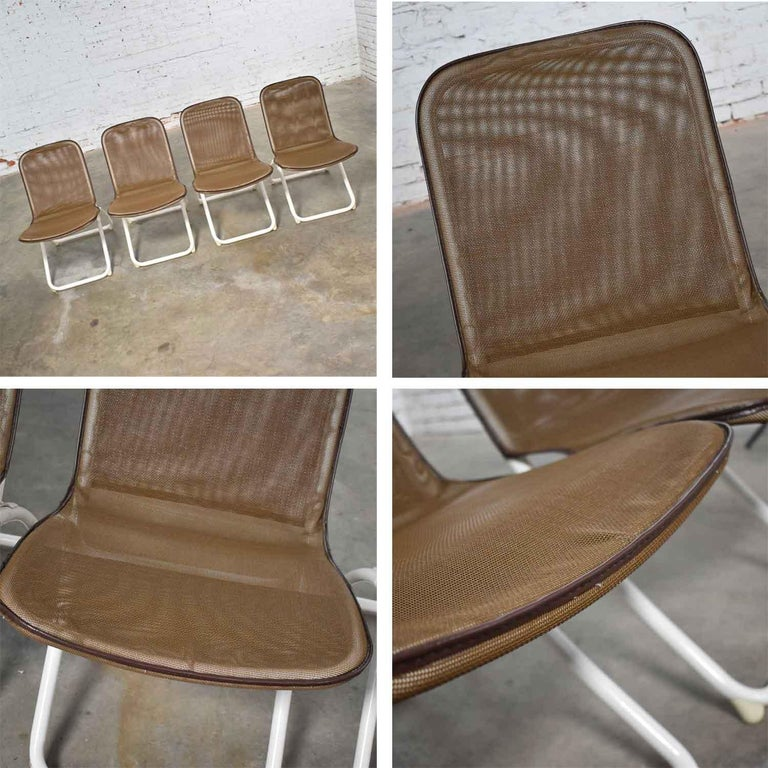 Mid-Century Modern Samsonite Round Patio Dining Table and 4 Folding Sling Chairs For Sale 7
