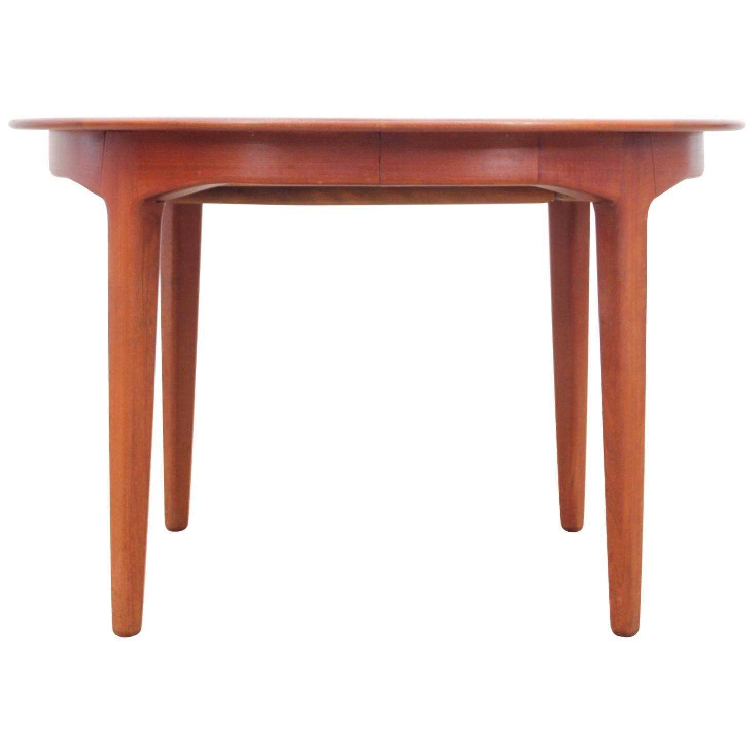 Mid-Century Modern Scandinavian Circular Dining Table in Teak by Kjaernulf