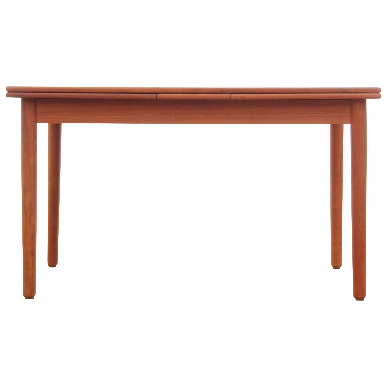 Mid-Century Modern Scandinavian Dining Table in Teak 4/8 Seats
