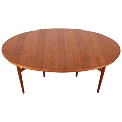 Mid-Century Modern Scandinavian Dining Table in Teak by Arne Vodder