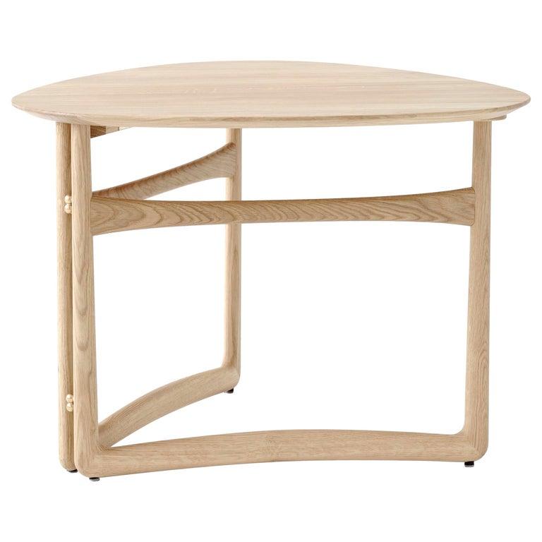 Mid-Century Modern Scandinavian Drop Leaf Side Table in Oak For Sale