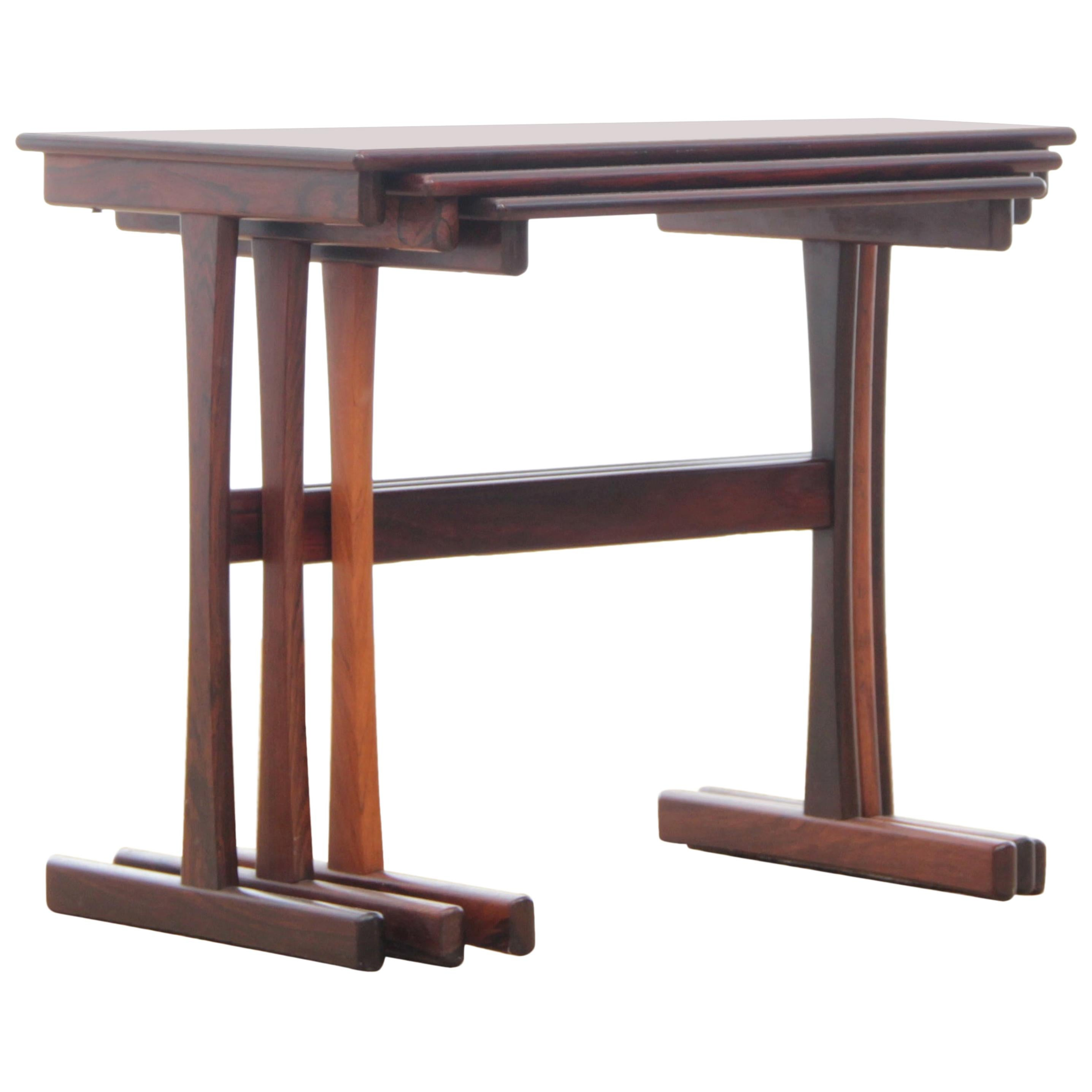 Image of: Mid Century Modern Scandinavian Nesting Tables In Rosewood For Sale At 1stdibs