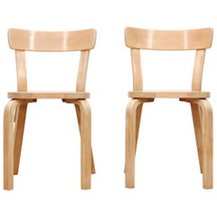 Mid-Century Modern Scandinavian Pair of Chairs Model 69 by Alvar Aalto