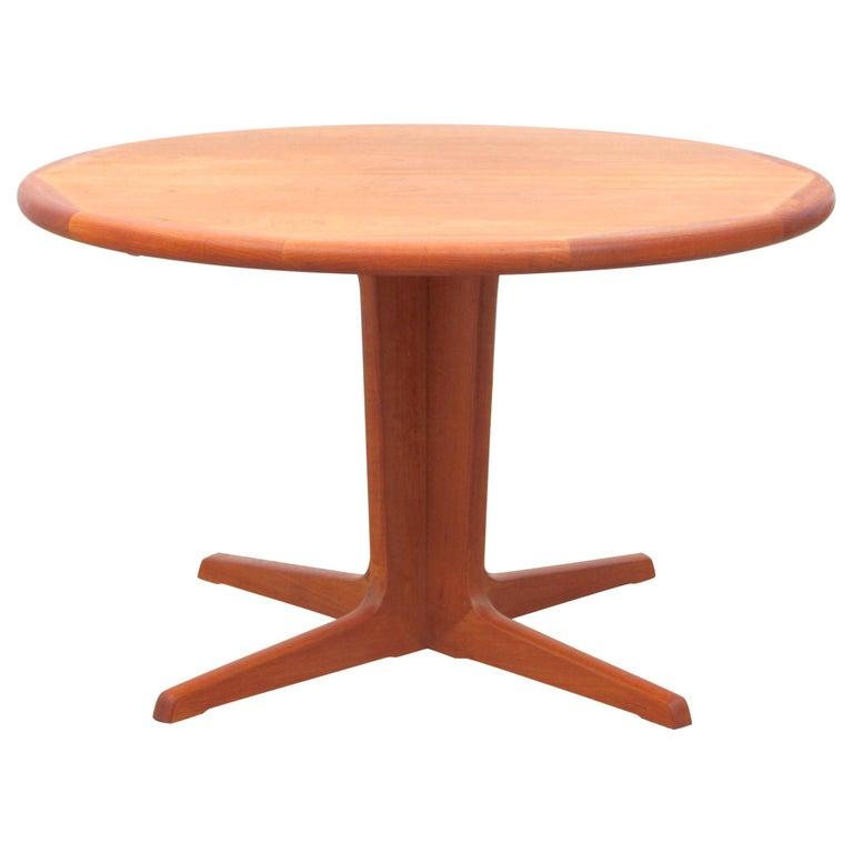 Round Dining Table Seats 10: Mid-Century Modern Scandinavian Round Dining Table In Teak