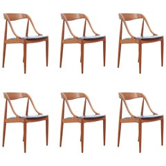 Mid-Century Modern Scandinavian Set of Six Dining Chairs in Teak