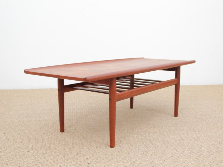 Mid-Century Modern Scandinavian sofa table by Grete Jakl for Glostrup.