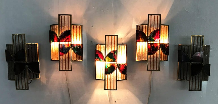 Ten Brutalist style sconces in hand-chiselled glass and brass by Poliarte, Italy, circa 1960.