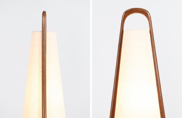 Mid-Century Modern Sculpted Walnut and Brass Table Lamps by Modeline For Sale 6