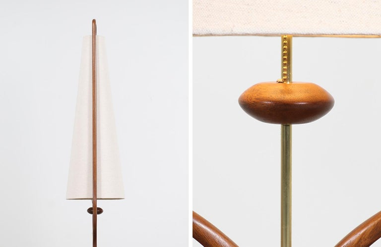 Mid-Century Modern Sculpted Walnut and Brass Table Lamps by Modeline For Sale 7