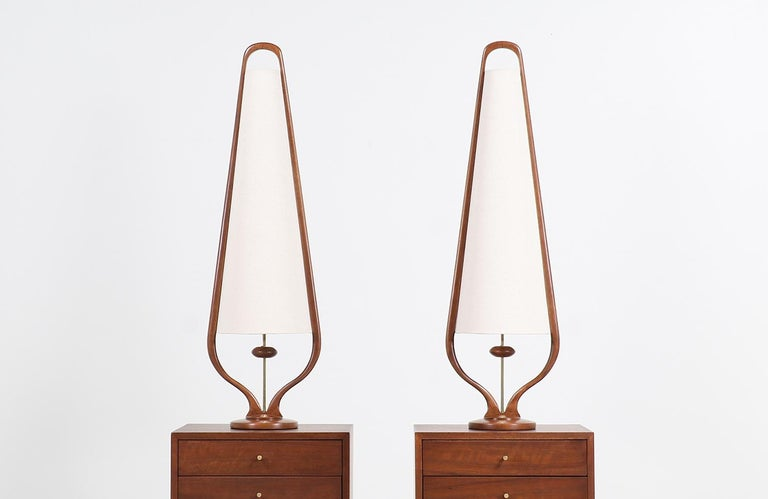 Mid-Century Modern Sculpted Walnut and Brass Table Lamps by Modeline In Excellent Condition For Sale In Los Angeles, CA