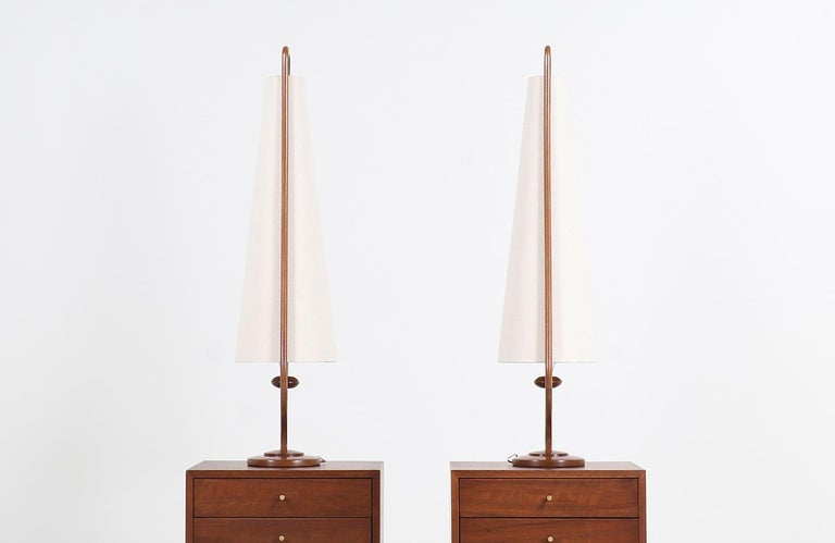 Mid-Century Modern Sculpted Walnut and Brass Table Lamps by Modeline For Sale 1