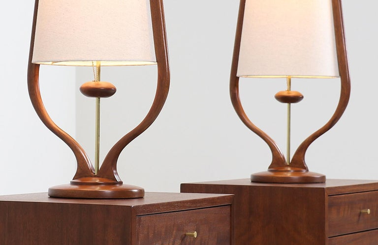 Mid-Century Modern Sculpted Walnut and Brass Table Lamps by Modeline For Sale 3