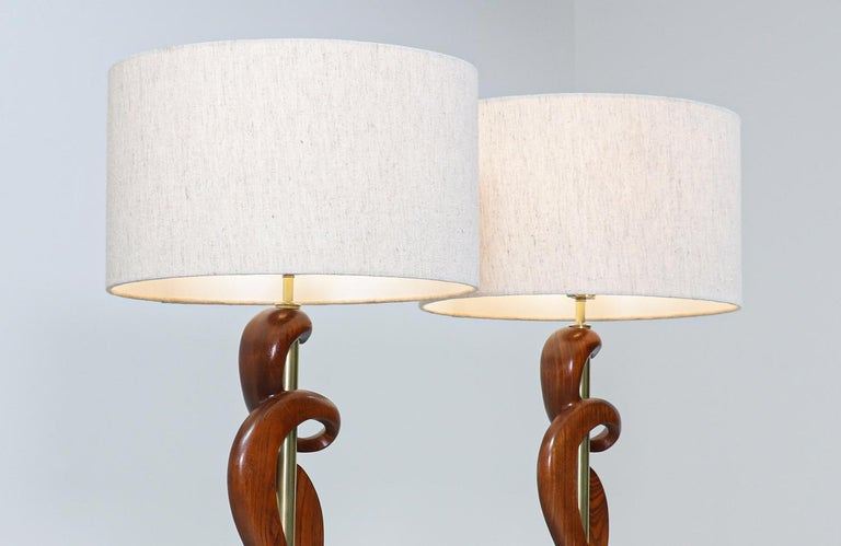 Mid-Century Modern Sculpted Walnut & Brass Table Lamps by Modeline of California In Excellent Condition For Sale In Los Angeles, CA