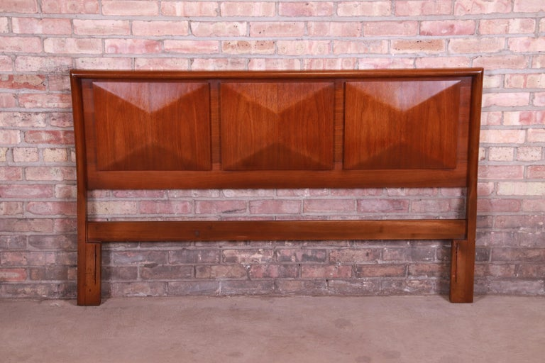 American Mid-Century Modern Sculpted Walnut Diamond Front Headboard by United For Sale